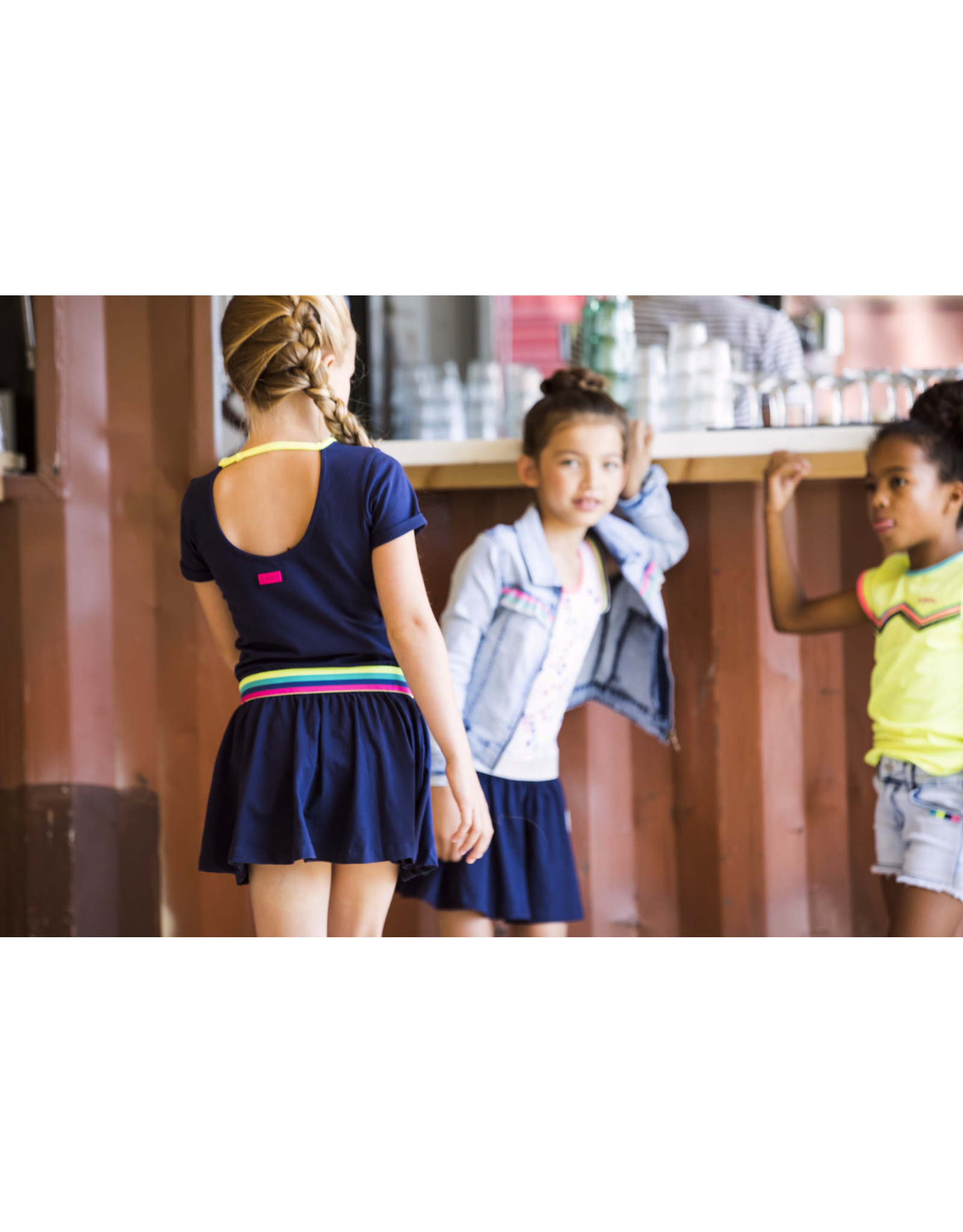 B.Nosy B.Nosy meisjes korte mouwen jurk met borduursel en open achterkant Space Blue