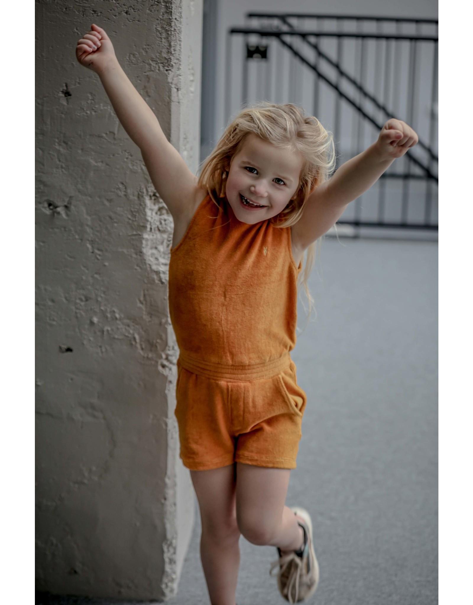 LEVV Levv meisjes badstof jumpsuit Nelamae Mustard