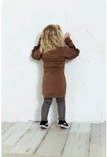 Daily7 Daily7 meisjes jurk met roesels Brown Sugar