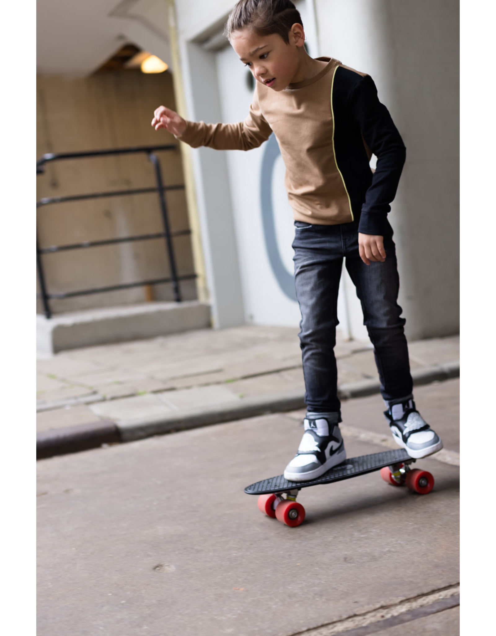 LEVV Levv jongens sweater Rinus Brown Sand