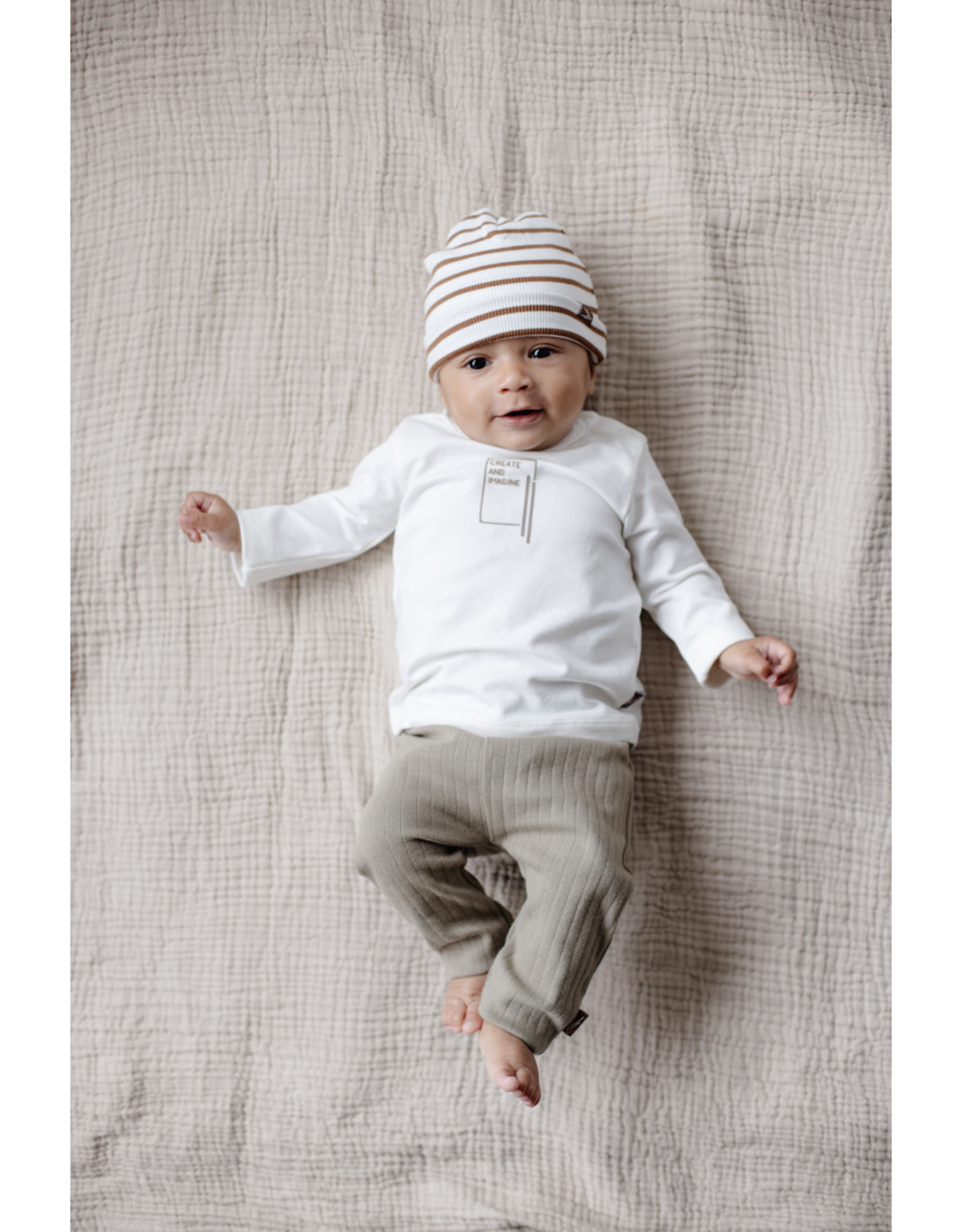 LEVV Levv newborn baby jongens muts Brad aop Brown Almond Stripe