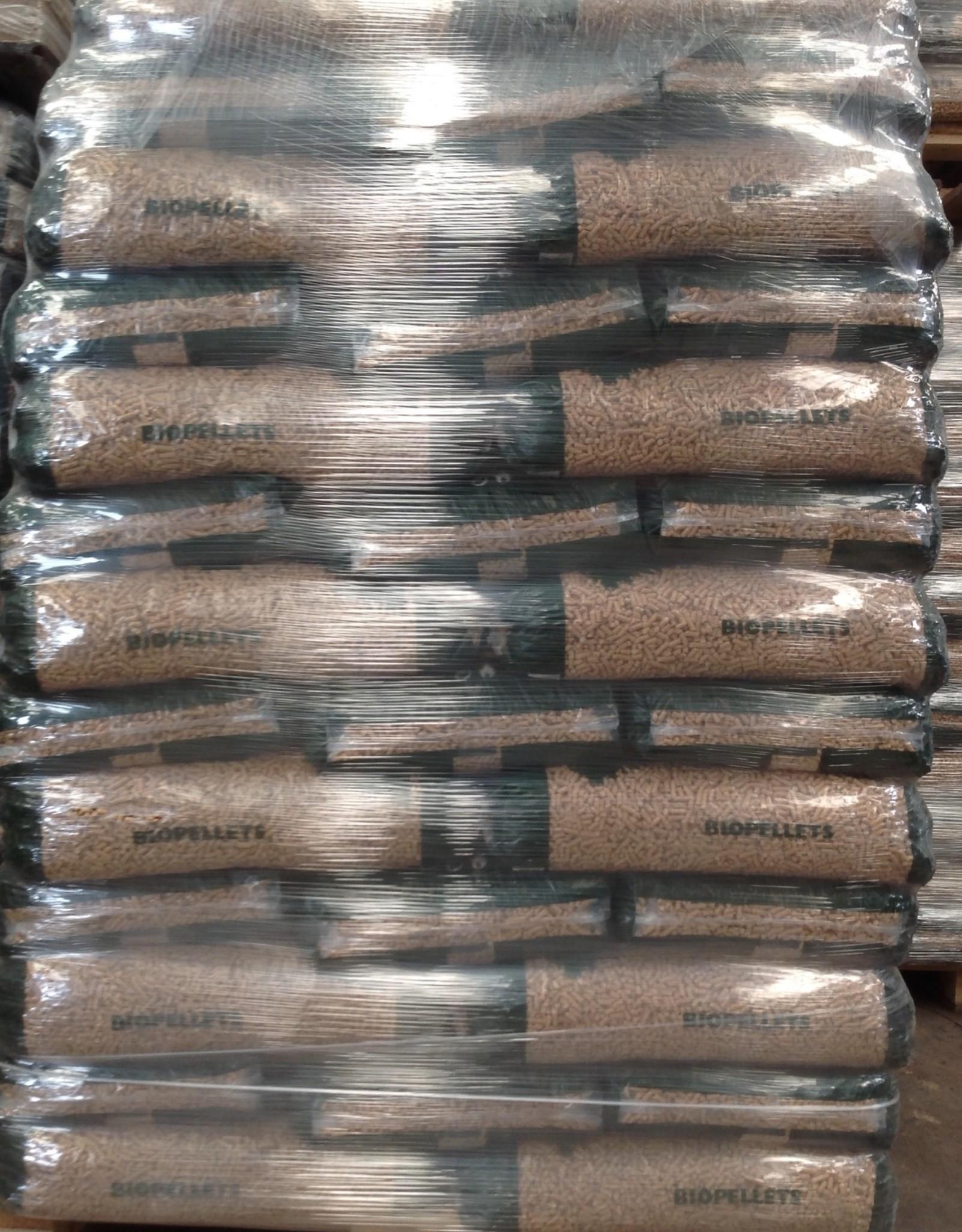 Bio-pellets Pallet BIO-PELLETS  of M & M Mayr - Melnhof Holz  66  zakken  990 kg