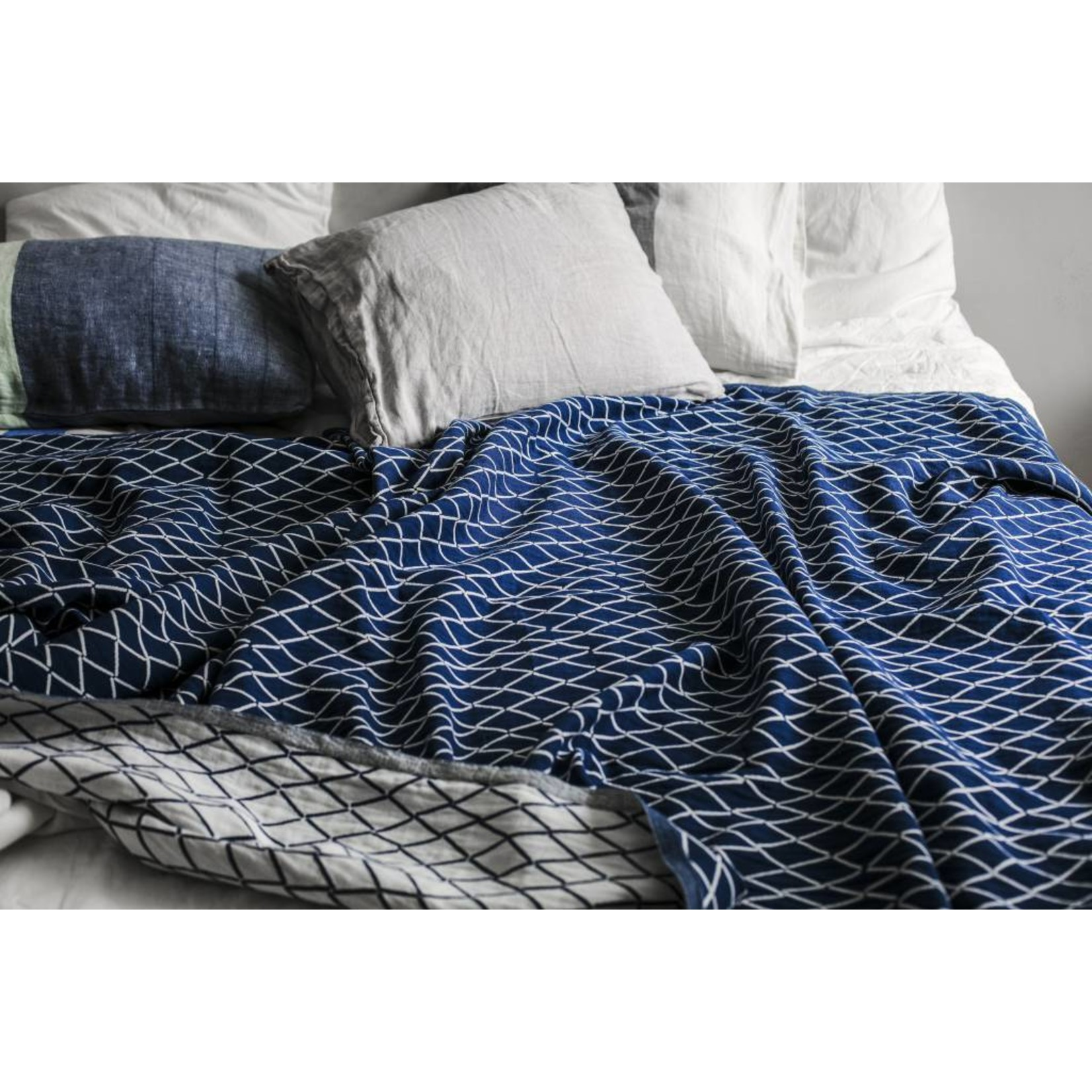 Lapuan Kankurit ESKIMO tablecloth & blanket linen & organic cotton - blue & white
