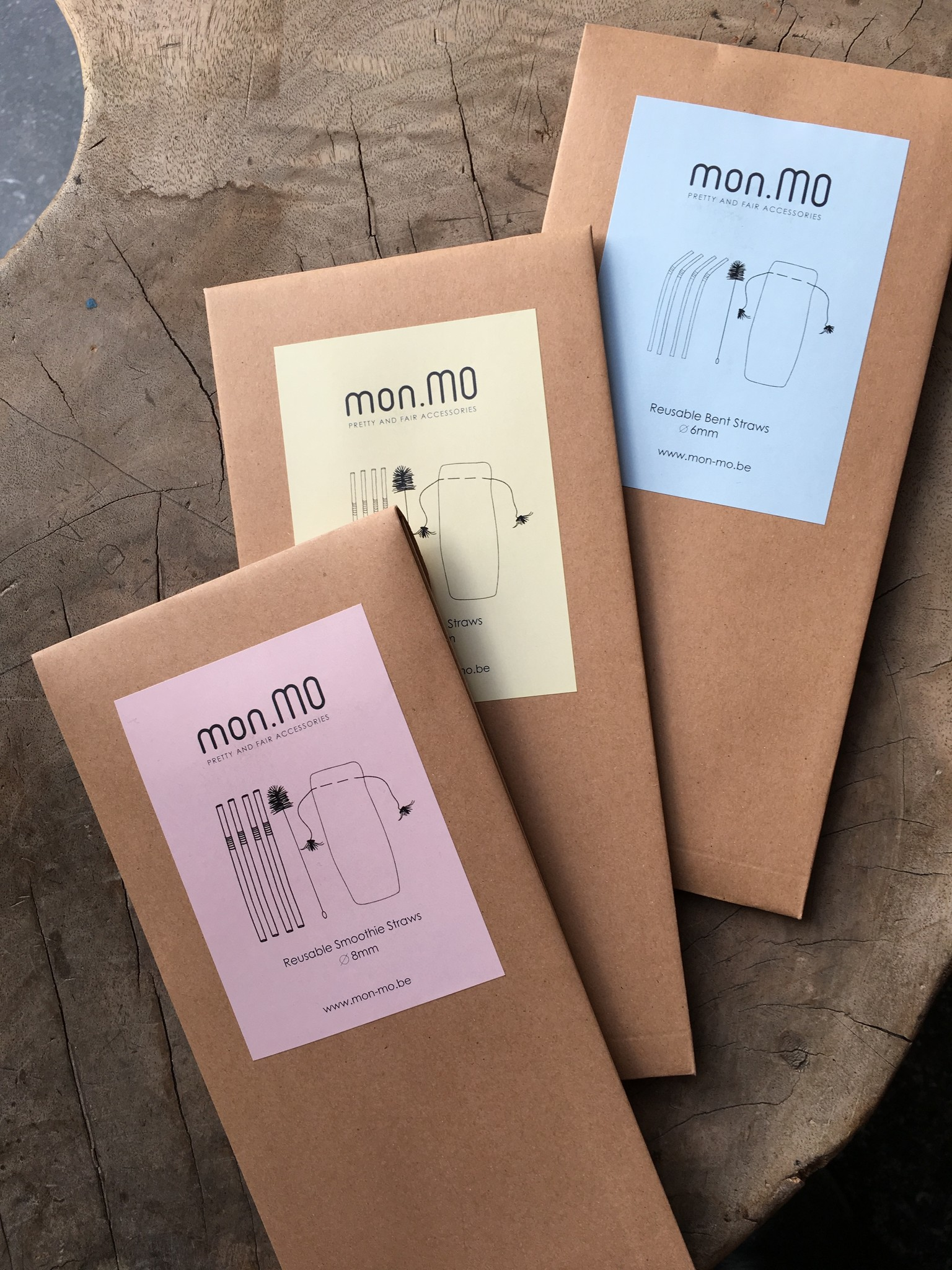 mon.MO Reusable Straws - 4 pack with brush & pouch