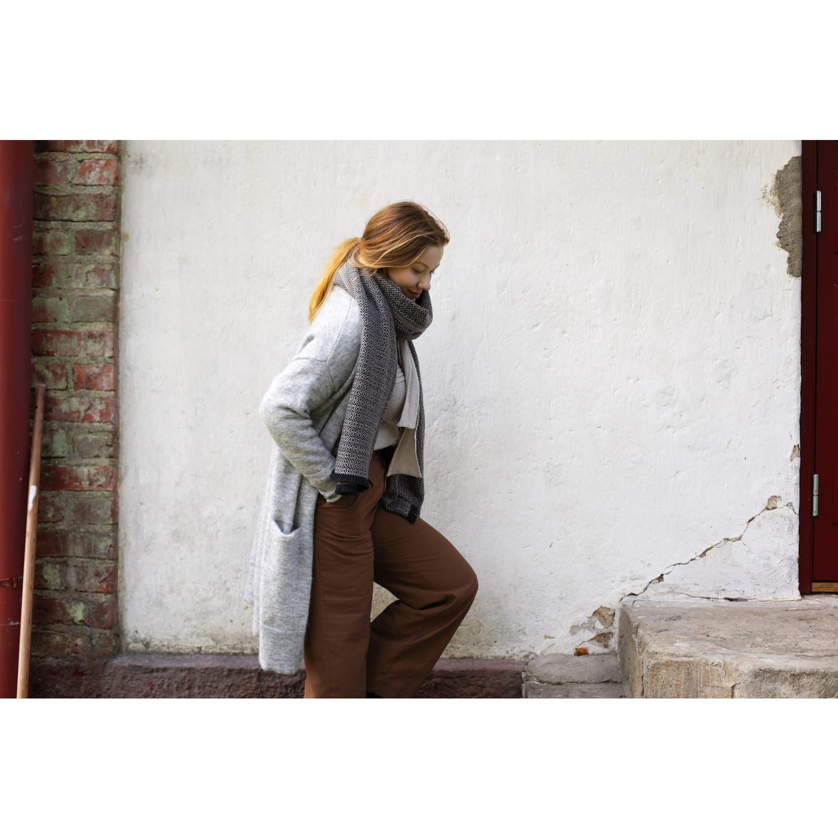 Lapuan Kankurit KOLI scarf, 100% merino wool, black-beige