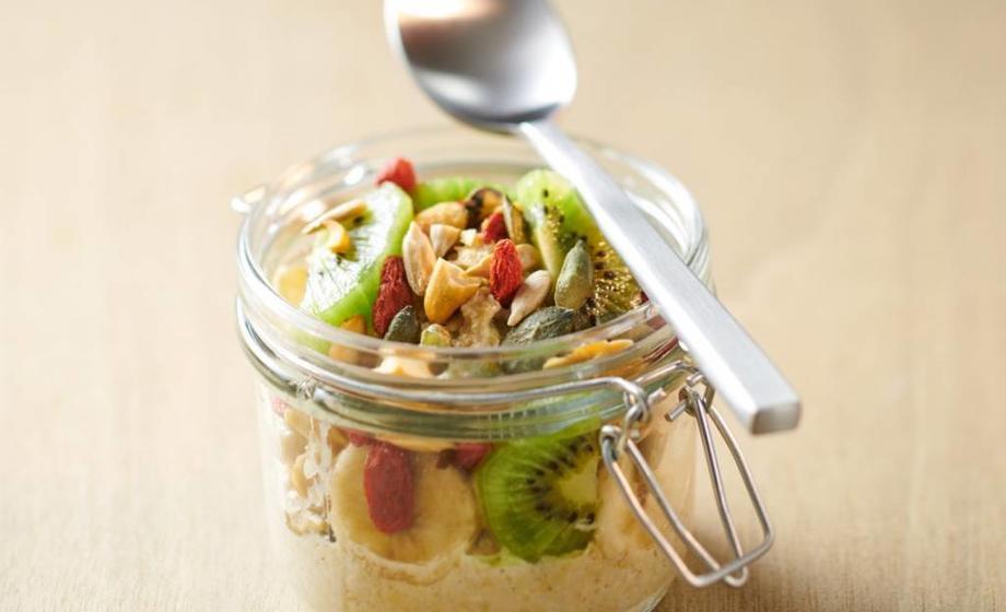 High protein spiced vanilla overnight oats