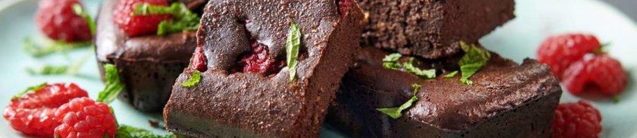 Brownies de proteína con chocolate y frambuesa