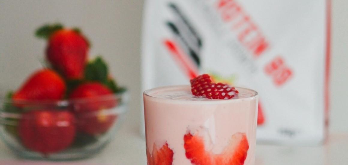 Parfait protéiné à la fraise
