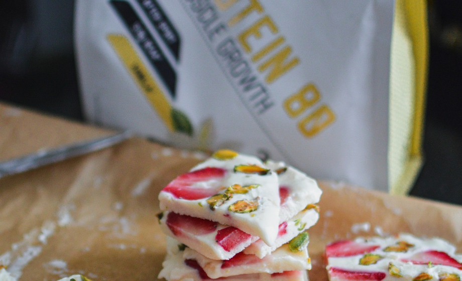 High Protein Greek yogurt bark