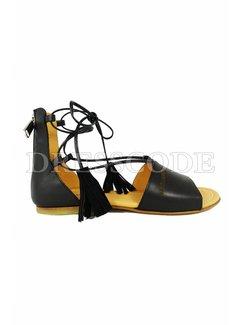 1. DSQUARED2 Dsquared2 leren sandaal met kwastjes Zwart