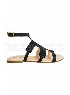 2. ELISABETTA FRANCHI Elisabetta Franchi sandaal met leren logo en enkelriempje zwart