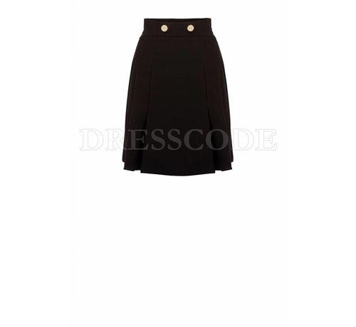 2. ELISABETTA FRANCHI Elisabetta Franchi zwarte rok met gouden knopen