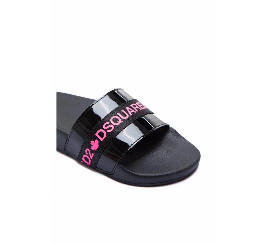 Dsquared2 slipper in lak met merknaam in roze op satijn Zwart