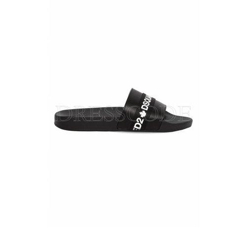 1. DSQUARED2 Dsquared2 zwarte slipper met merknaam in wit op satijn