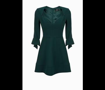 2. ELISABETTA FRANCHI Elisabetta Franchi getailleerde jurk