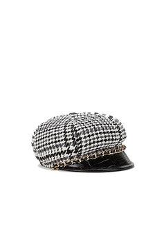 2. ELISABETTA FRANCHI Elisabetta Franchi tweed hoed met gouden ketting