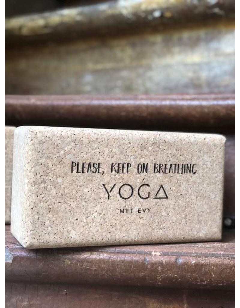 Energy Lab Bruno the Yoga met Evy Brick