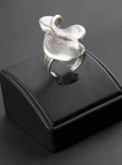 HeviHandmade; Zilveren sieradenlijn Copy of Hevi  Handmade ring verzilverd