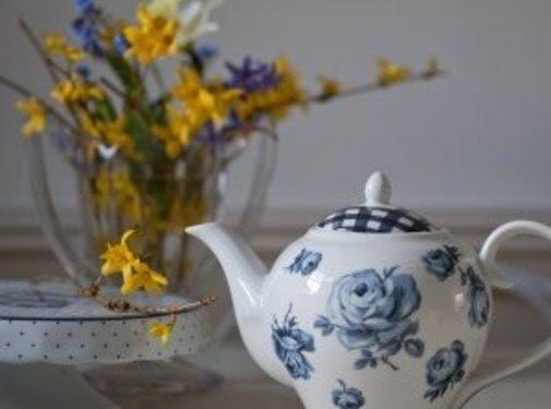 Katie Alice Vintage Indigo; Compleet Engels Servies Blauw Wit 6 persoons porseleinen theepot