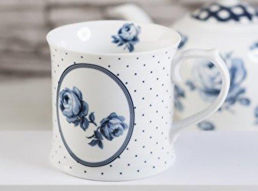 Katie Alice Vintage Indigo; Compleet Engels Servies Blauw Wit mok met bloem in ovaal en stippen