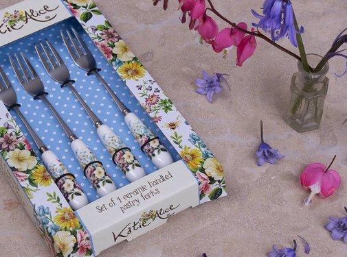 Katie Alice English Garden; Compleet Engels Porseleinen servies met bloemen Copy of Katie Alice English Garden taartschep