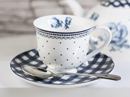Katie Alice Vintage Indigo; Compleet Engels Servies Blauw Wit Wit porseleinen kop en schotel met bloemen