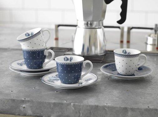 Katie Alice Vintage Indigo; Compleet Engels Servies Blauw Wit Katie Alice Vintage Indigo Set Of 4 Espresso Cups and Saucers, Hat Box