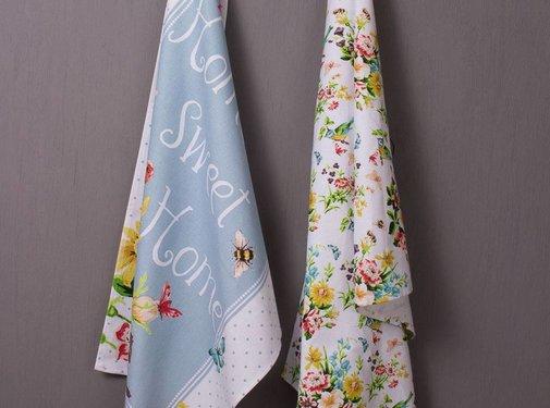 Katie Alice English Garden; Compleet Engels Porseleinen servies met bloemen Set van 2 theedoeken met bloemdesign