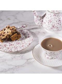 Katie Alice Ditsy Floral; Een brocante Engels Servies met bloemen 3-delig theeset wit gebloemd