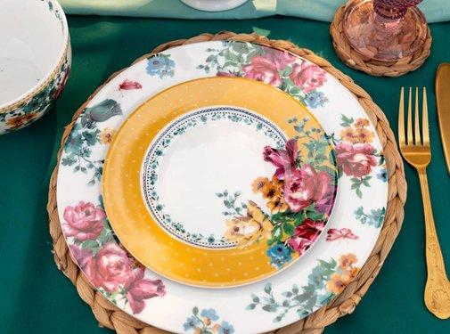 Katie Alice Bohemian Spirit; Engels wit porseleinen servies geel met bloemen ontbijtbord geel gebloemd