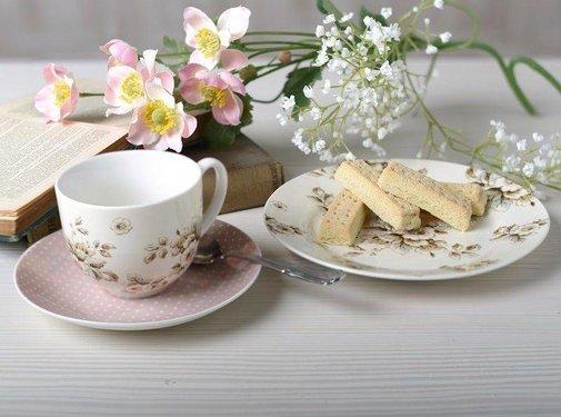 Katie Alice Cottage Flower; Compleet Vintage Servies met bloemen Copy of cadeauset bestaande uit dienblaadje, mok en onderzetter