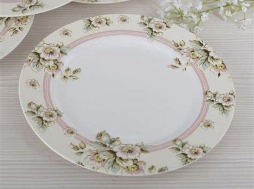 Katie Alice Cottage Flower; Compleet Vintage Servies met bloemen fine china dinerbord