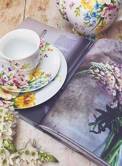 Katie Alice English Garden; Compleet Engels Porseleinen servies met bloemen fine china kop en schotel