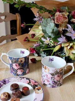 Katie Alice Wild Apricity; Compleet Engels Jachtservies met bloemen Katie Alice Wild Apricity Mok, Grijs met bloemenmotief 400ml