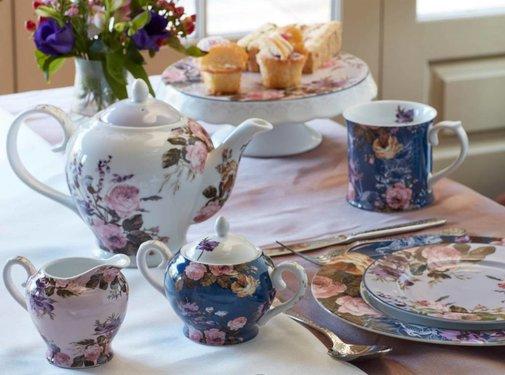 Katie Alice Wild Apricity; Compleet Engels Jachtservies met bloemen 6-kops theepot