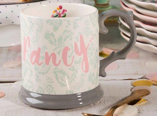 Katie Alice Blooming Fancy mok, gedecoreerd in een Paisley textielmotief voorzien van tekst