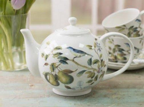 The English Table; Engels porselein met vogels Copy of Lente Fruit serie kop & schotel