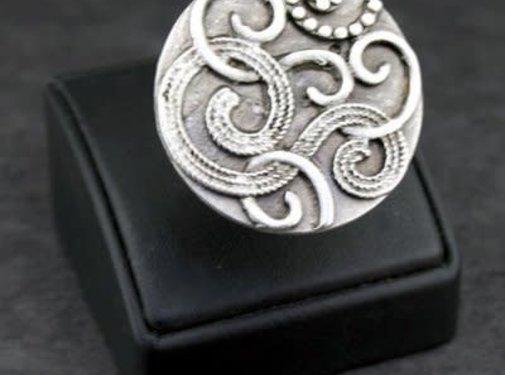 HeviHandmade; Zilveren sieradenlijn Copy of Handmade ring verzilverd fantasie