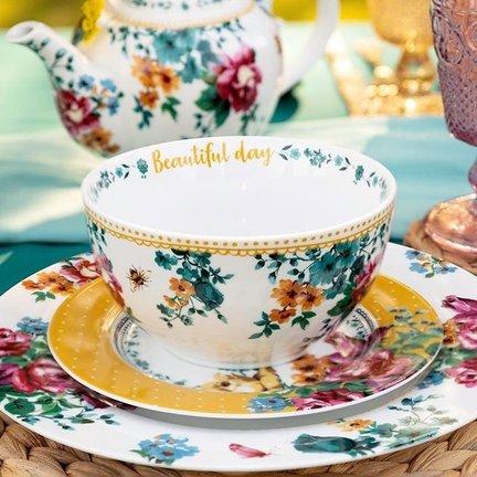 Katie Alice Bohemian Spirit; Engels wit porseleinen servies geel met bloemen