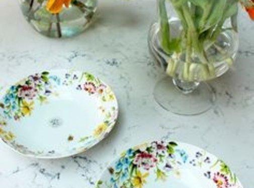 Katie Alice English Garden; Compleet Engels Porseleinen servies met bloemen Diep bord, pasta bord