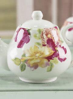 Kew Gardens; Engels servies met bloemen Southbourne Rose; Theepot met rozen