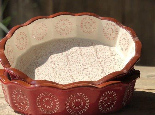 Lavandoux-Ceramics; Prachtige ovenschalen Ovenschaal rood   -schulp-