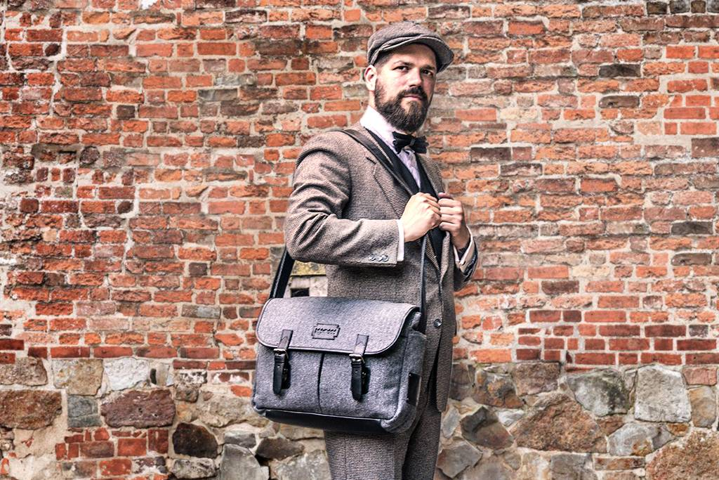 Freddie - Harris Tweed Messenger Bag - Grey/Black