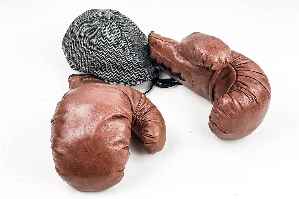 Bonnie  boxing gloves