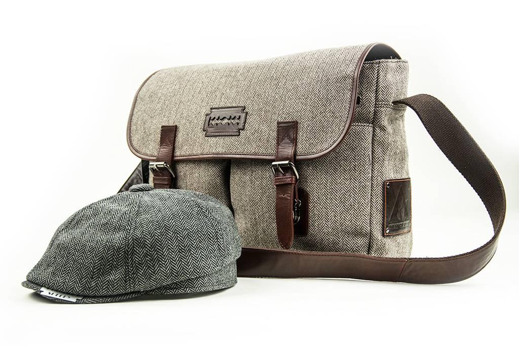 Finn - Tweed Messenger Bag - Brown