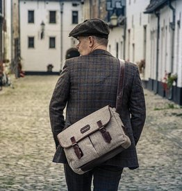 Finn - Tweed Messenger Bag Brown