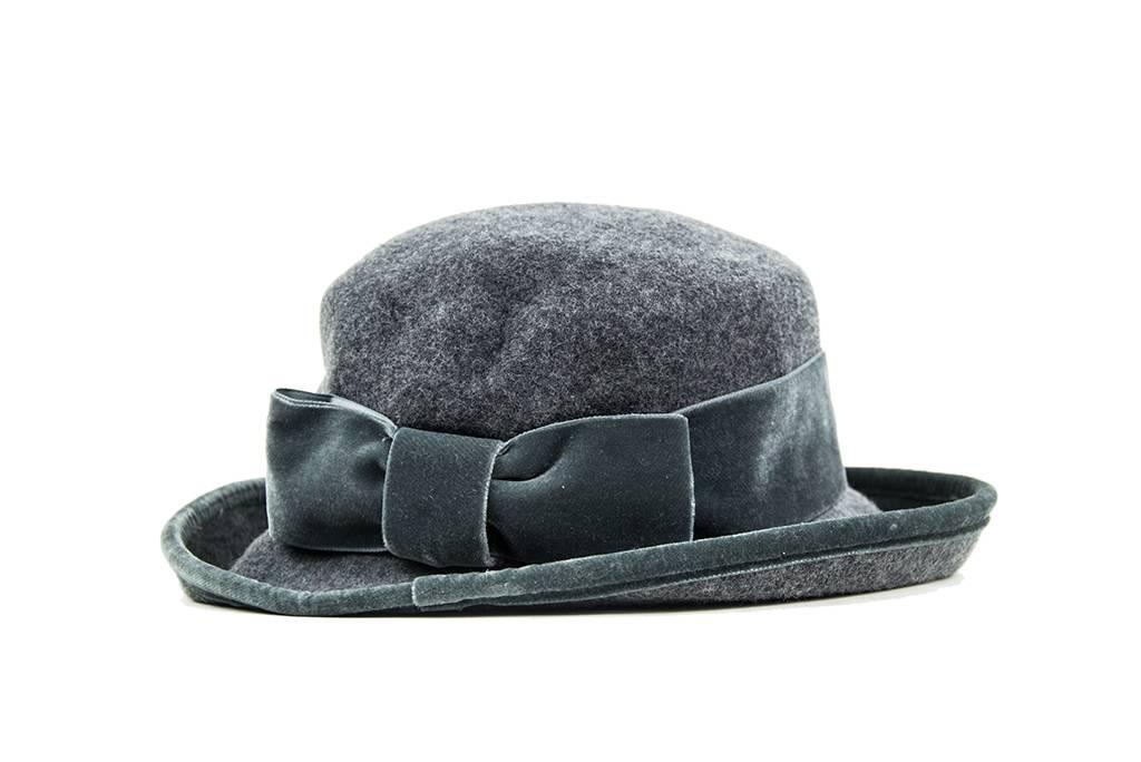 Greta elegant hat