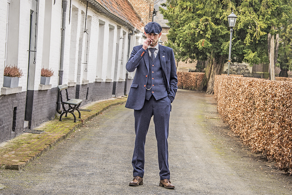 3-piece tweed suit  Navy Herringbone