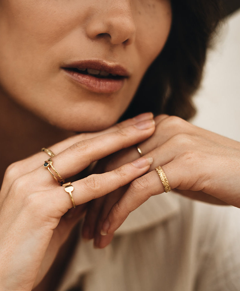 Antique Decorated Ring Selene, Gold Plated