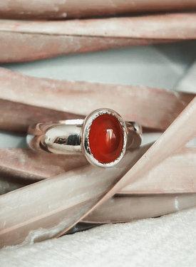 Zilveren Minimalistische Ring Met Carneool Aphrodite